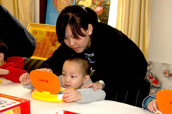 中华慈善总会慈爱孤儿工程向秦皇岛市社会福利院捐赠物资