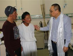 藏區千名貧困家庭包蟲病患者救助行動
